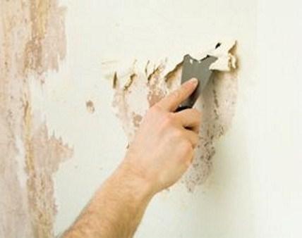 Отчистка стены от старого покрытия