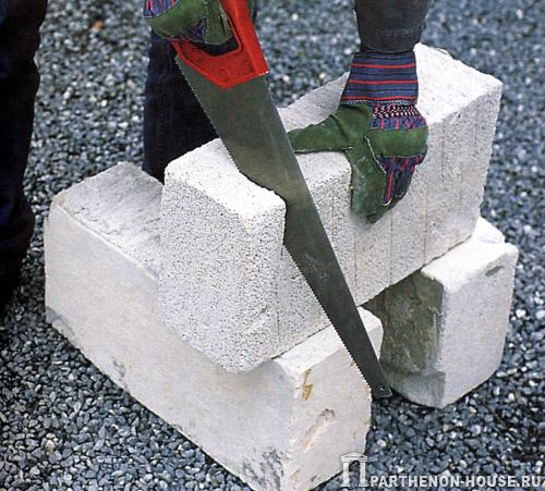 Газобетонный блок легко режется