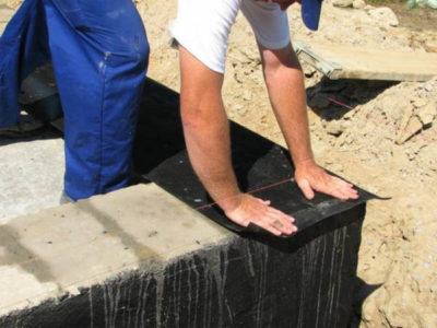 Горизонтальная гидроизоляция из рулонных материалов
