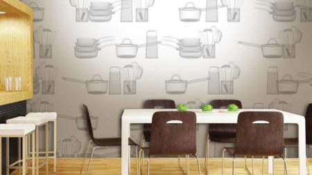 Бумажные обои в кухонном интерьере
